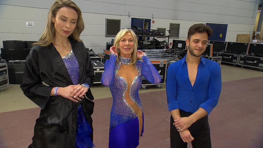 Ulrike von der Groeben im sexy Kleid