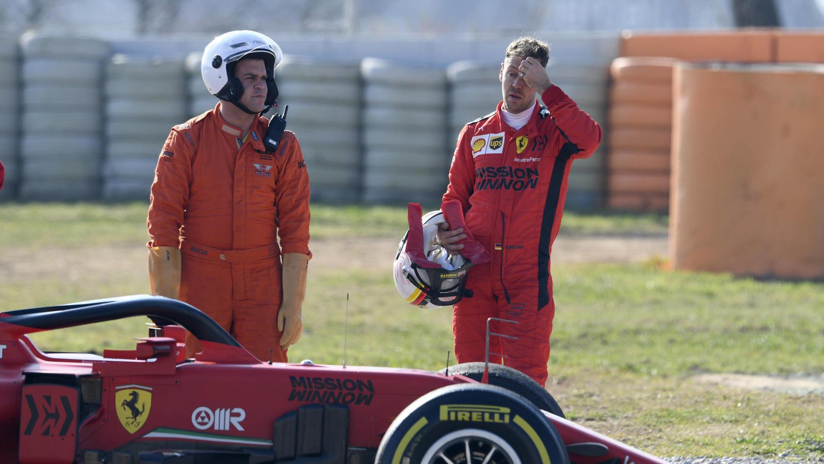 Circuit de Barcelona-Catalunya in Montmelo Spanien 21.2.2020, Formel 1 Wintertest, Sebastinan Vettel (GER), Ferrari neb