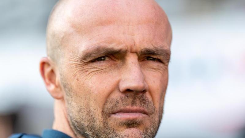 Trainer Alfred Schreuder von Hoffenheim. Foto: Patrick Seeger/dpa/Archivbild