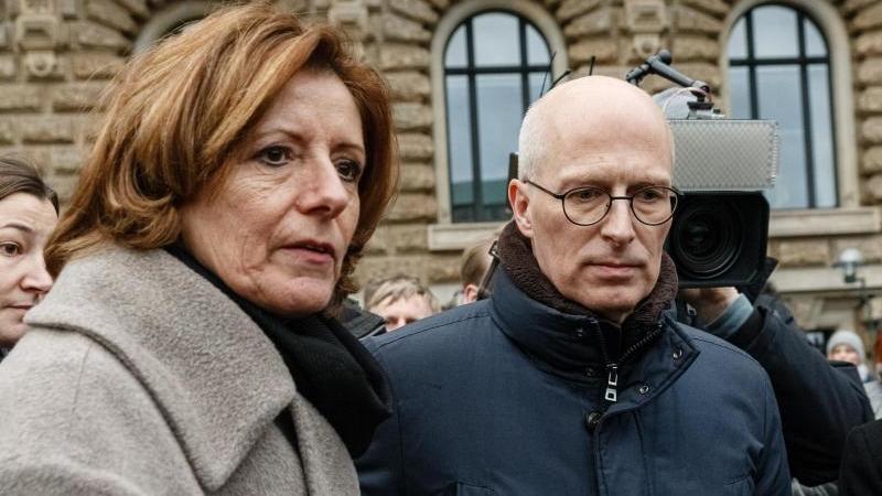 Malu Dreyer (SPD), Ministerpräsidentin von Rheinland-Pfalz, und Peter Tschentscher (SPD), Erster Bürgermeister Hamburgs. Foto: Markus Scholz, Daniel Reinhardt/dpa