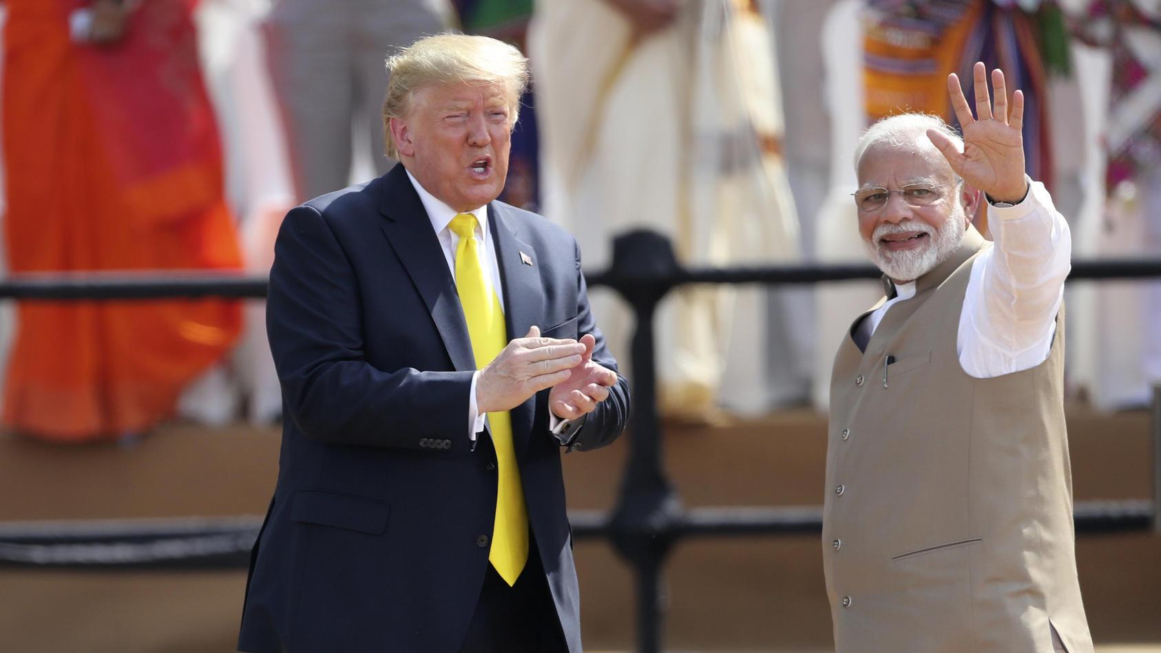 Donald Trump mit Narendra Modi, Premierminister von Indien, bei einem zweitägigen Staatsbesuch in in Indien.