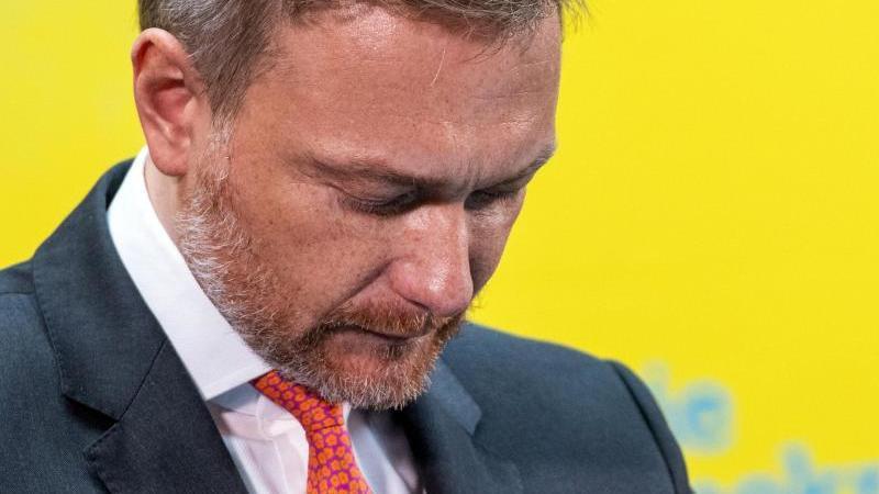 Christian Lindner, Vorsitzender der FDP-Bundestagsfraktion und Parteivorsitzender, spricht bei einer Pressekonferenz der FDP im Hans-Dietrich-Genscher-Haus. Foto: Christophe Gateau/dpa
