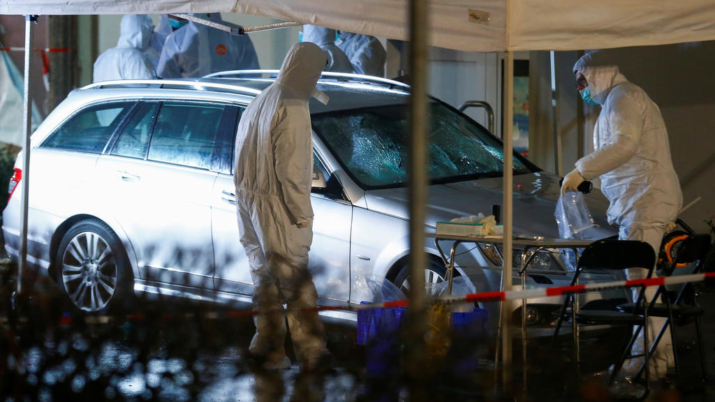 Policeforensic officerswork at the scene after a car ploughed into a carnival parade injuring several people in Volkmarsen, Germany February 24, 2020. REUTERS/Thilo Schmuelgen