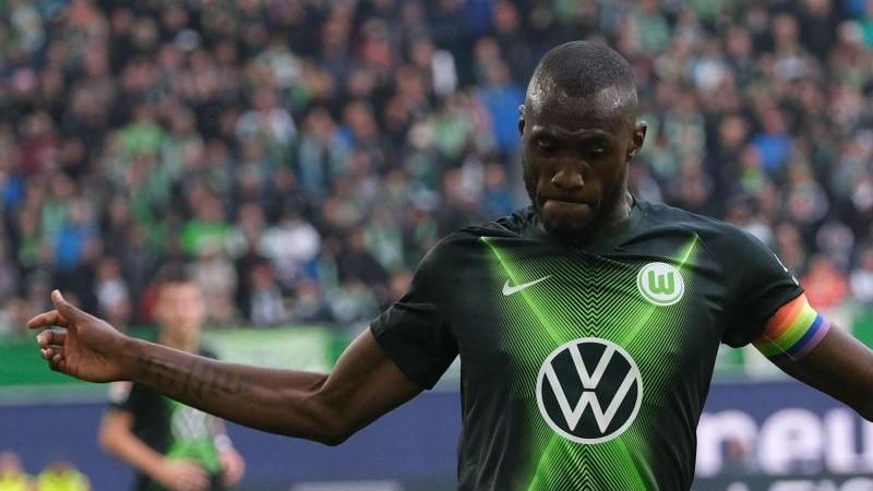 Wolfsburgs Josuha Guilavogui ist am Ball. Foto: Peter Steffen/dpa/Archivbild