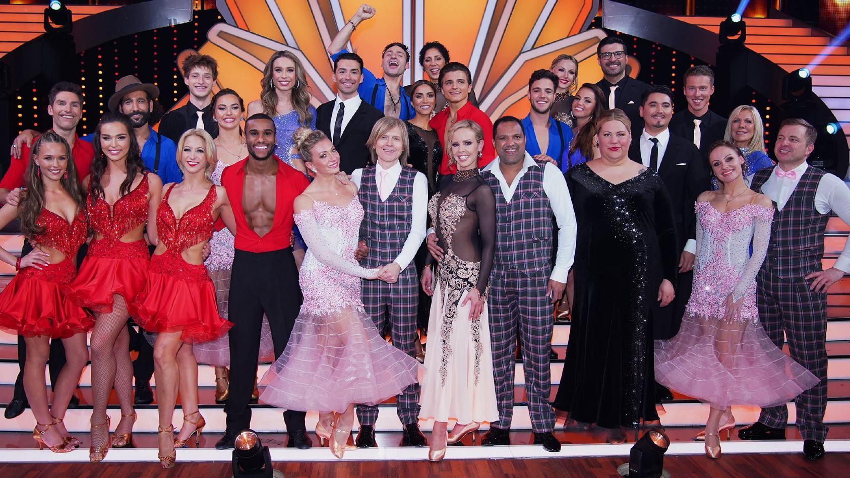 Die Stars haben nach der Kennenlern-Show ihre Profitänzer zugeteilt bekommen.