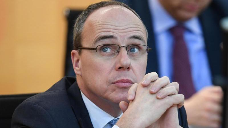 Peter Beuth (CDU), Innenminister des Landes Hessen. Foto: Arne Dedert/dpa/Archivbild