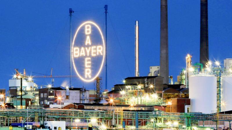Zuletzt hatte Bayer im Oktober von 42.700 Klagen berichtet. Foto: Oliver Berg/dpa