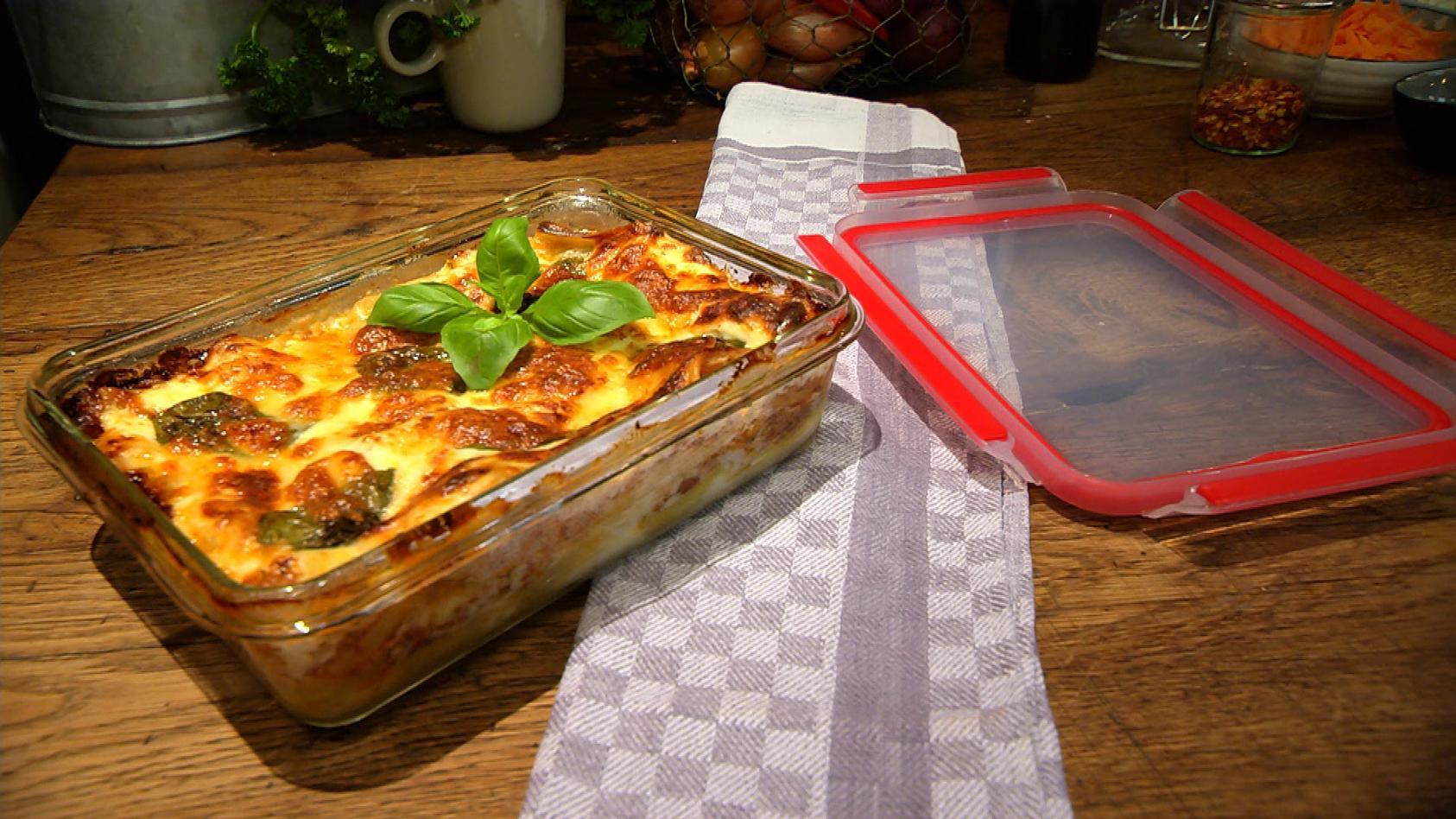 Einpacken oder hier essen – Leckeres für Zuhause oder fürs Büro: Klassische Lasagne