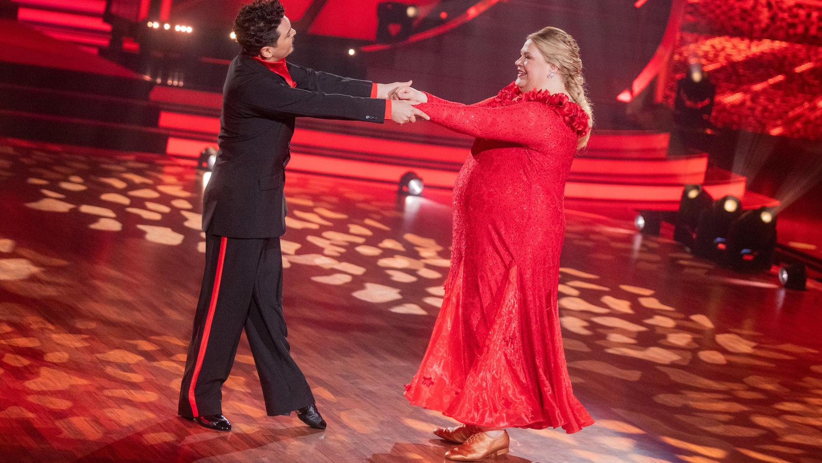 """Erich Klann und Ilka Bessin haben es schon in die 8. Show von """"Let's Dance"""" geschafft."""