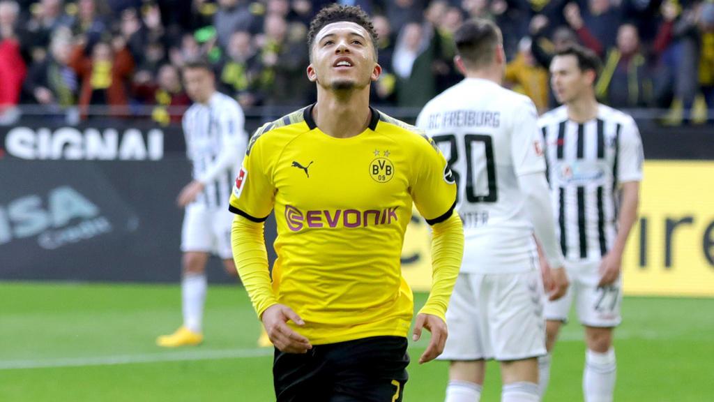 29.02.2020, Fussball, Saison 2019/2020, Bundesliga, 24. Spieltag - Borussia Dortmund - SC Freiburg Jadon Sancho Borussia Dortmund bejubelt sein Tor zum 1:0. DFL REGULATIONS PROHIBIT ANY USE OF PHOTOGRAPHS AS IMAGE SEQUENCES AND/OR QUASI-VIDEO. Dortm
