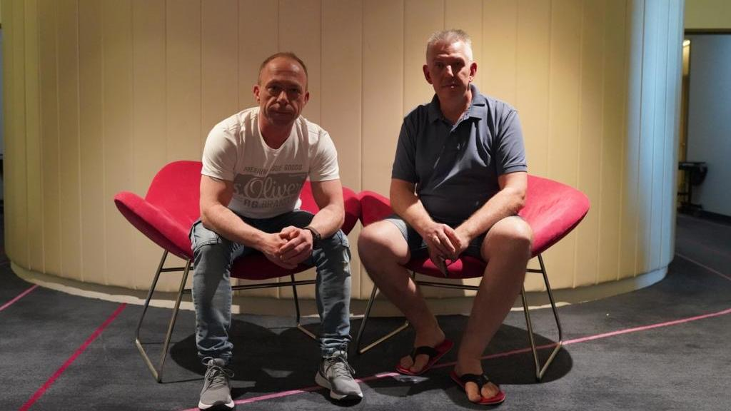 Mike Rienitz und Frank Nestrowicz sitzen in Abu Dhabi fest