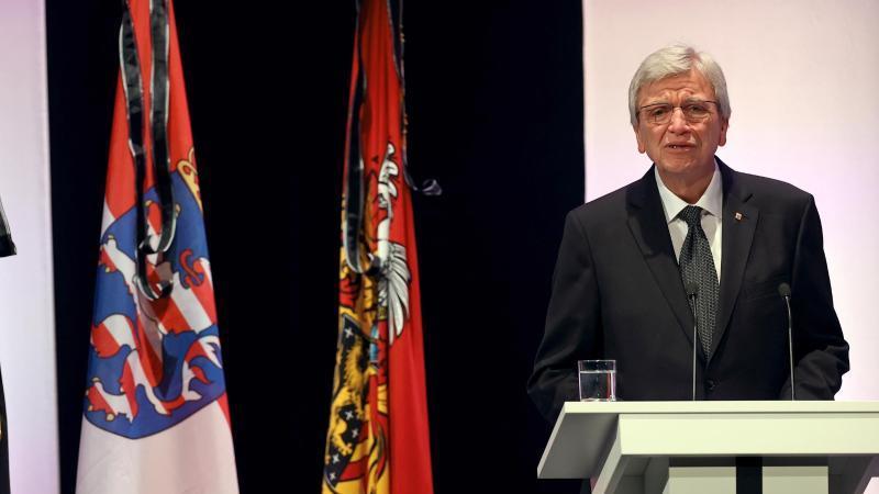 Volker Bouffier, der Ministerpräsident von Hessen. Foto: Kai Pfaffenbach/Reuters-Pool/dpa