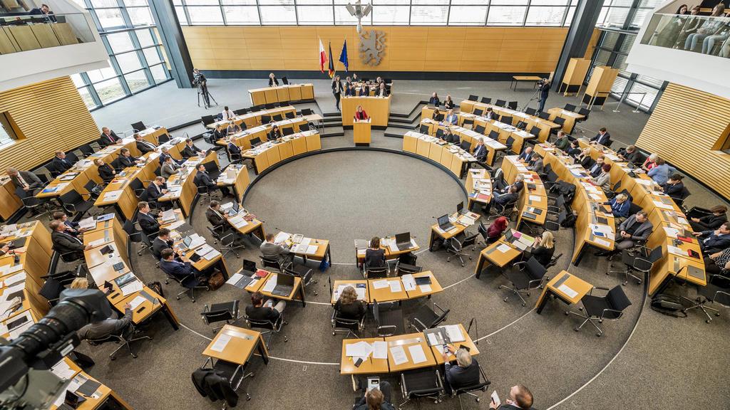 9. PLENARSITZUNG IM THÜRINGER LANDTAG 05/03/2020 - Erfurt: 9. Plenarsitzung im Thüringer Landtag am 5. März 2020. /  *** 9 PLENARY SESSION IN THURINGER LANDTAG 05 03 2020 Erfurt 9 Plenary session in the Thuringian Parliament on 5 March 2020
