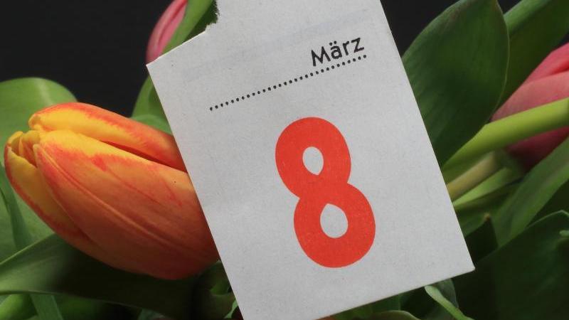Am 8. März ist Weltfrauentag: Nutzen Sie noch die Gelegenheit, um einer lieben Frau in Ihrem Leben  ein schönes Geschenk zu machen.