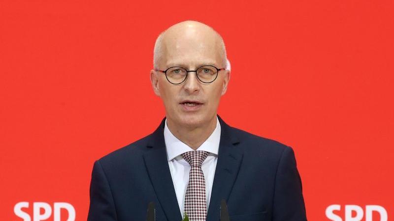 Peter Tschentscher (SPD), Erster Bürgermeister Hamburgs. Foto: Wolfgang Kumm/dpa/Archivbild
