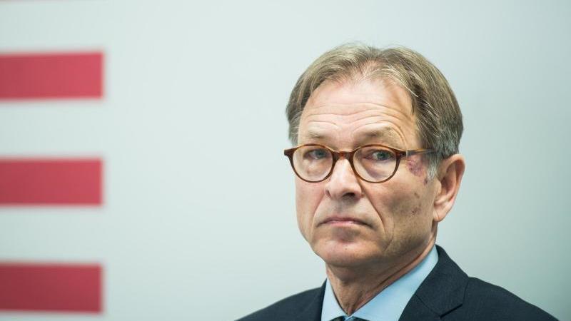 Helmut Fünfsinn, Generalstaatsanwalt von Hessen. Foto: Andreas Arnold/dpa/Archivbild