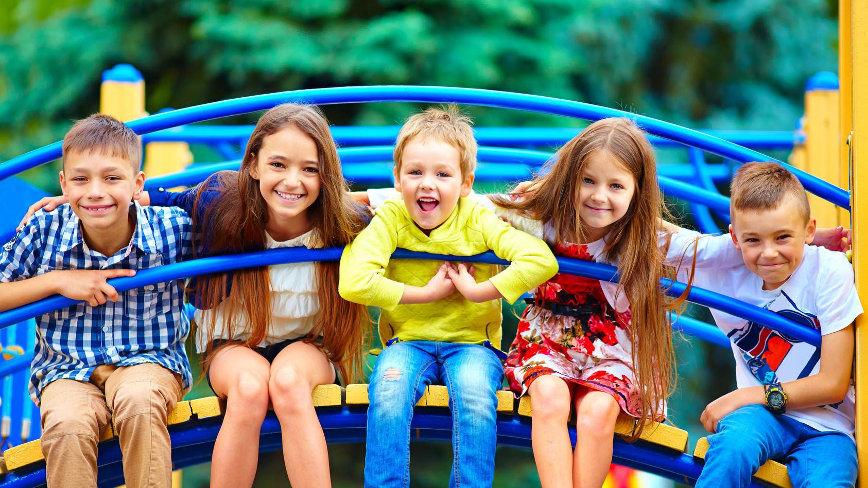 Kinder wollen sich auch in Coronazeiten mit ihren Freunden treffen - aber geht das?