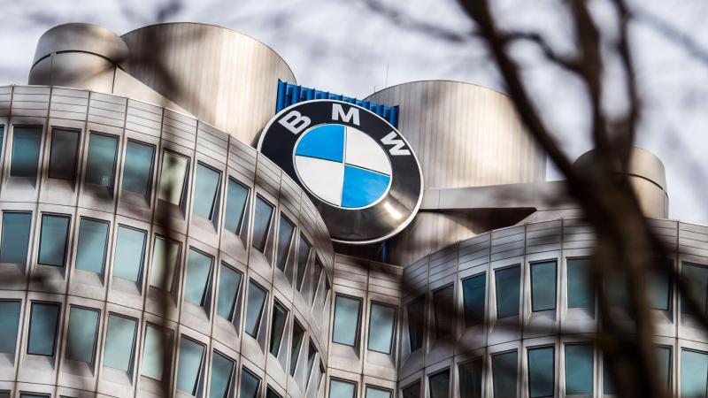 Bisher hat BMW für 2020 mit leicht steigenden Verkaufszahlen gerechnet. Foto: Lino Mirgeler/dpa