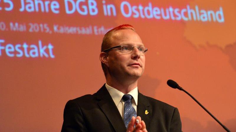 Sandro Witt vom DGB Hessen-Thüringen. Foto: Martin Schutt/dpa-Zentralbild/dpa/Archivbild