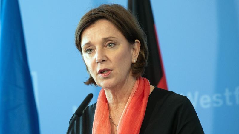 NRW-Schulministerin Yvonne Gebauer (FDP). Foto: Federico Gambarini/dpa