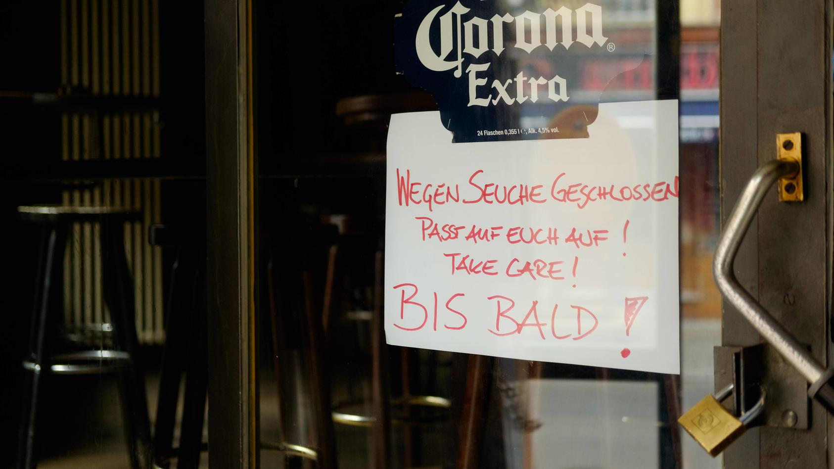 Wegen Covid-19 geschlossene Bar in Berlin-Kreuzberg: Die Milchbar in Berlin-Kreuzberg hat ihren Betrieb, wie viele andere, eingestellt.