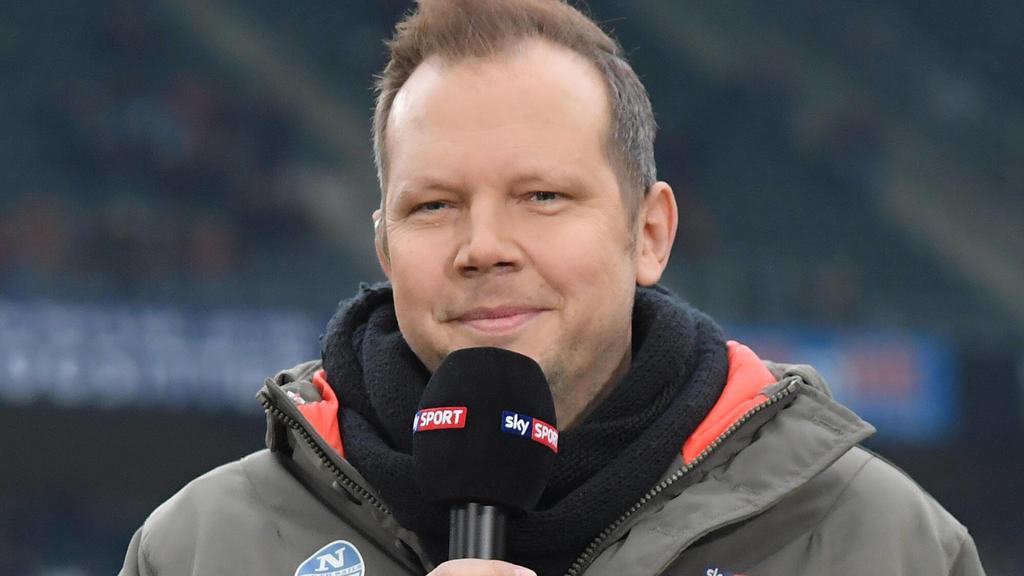 So kennen Fußballfans Wolff-Christoph Fuss - im Stadion. Doch die Stadien stehen momentan leer.