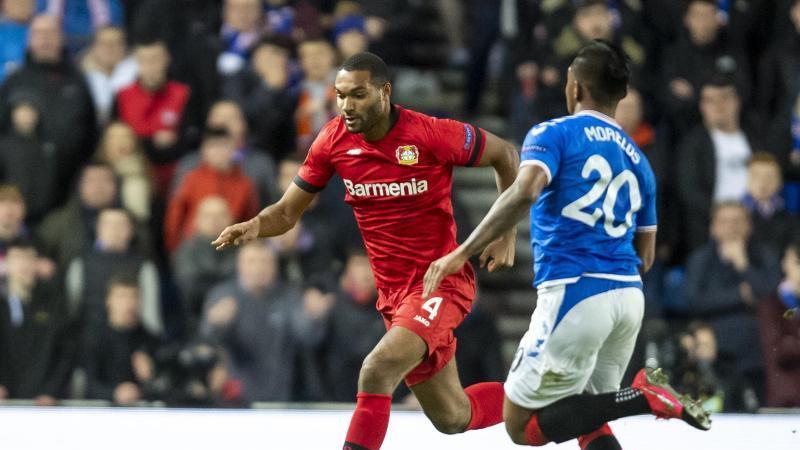 Jonathan Tah im Einsatz gegen die Glasgow Rangers. Foto: David Inderlied/dpa