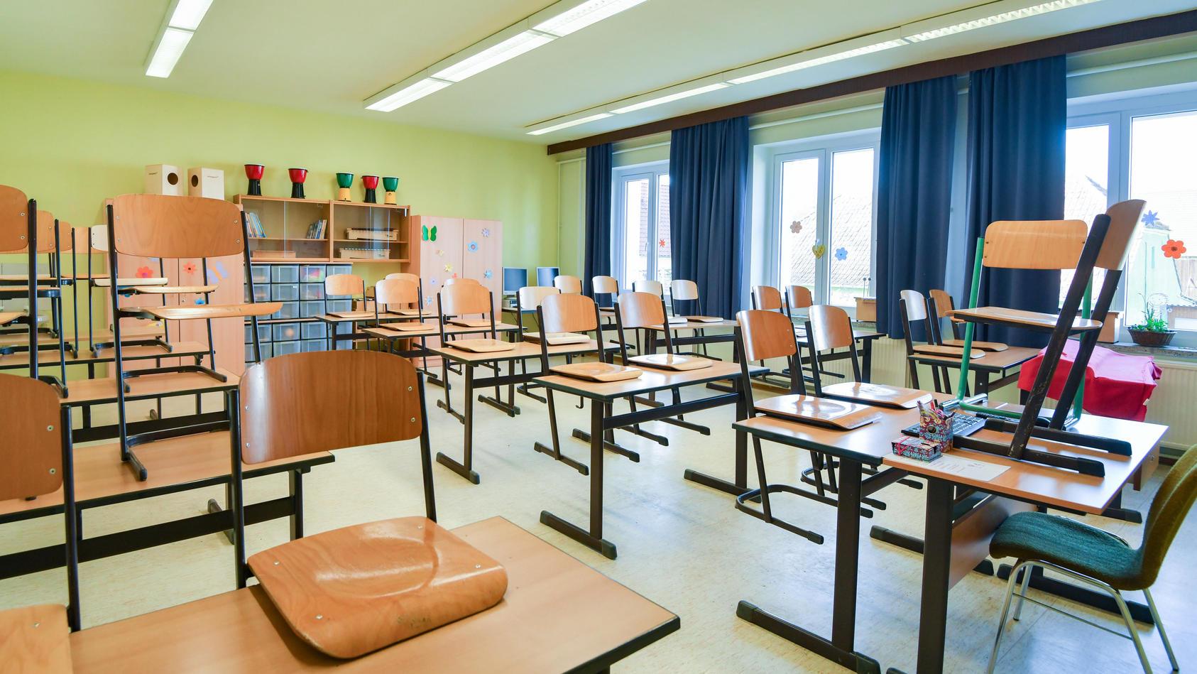 Coronavirus -Leerer Klassenraum