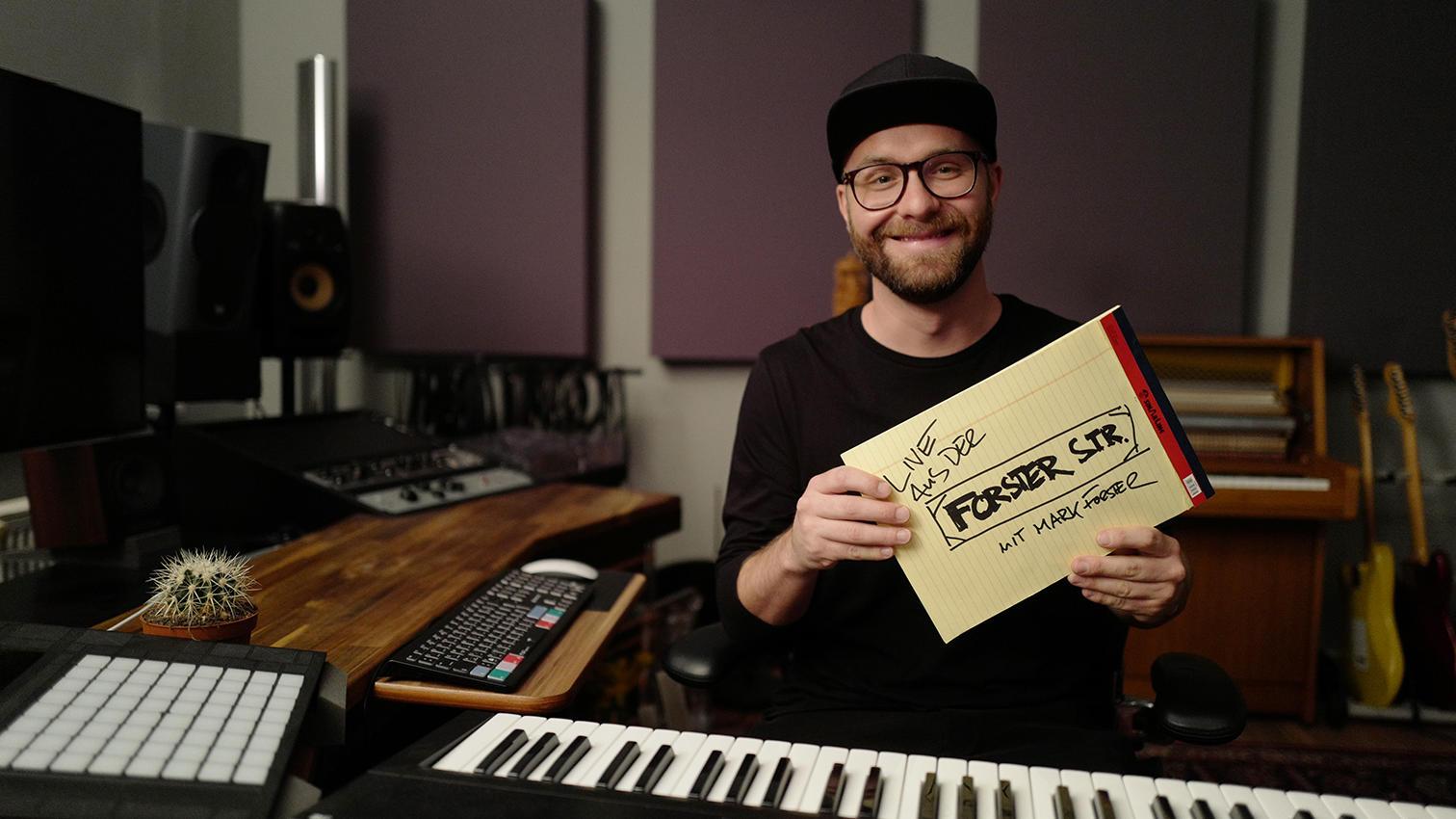 Mark Forster mittwochs um 20:15 Uhr in sein kleines Tonstudio ein!