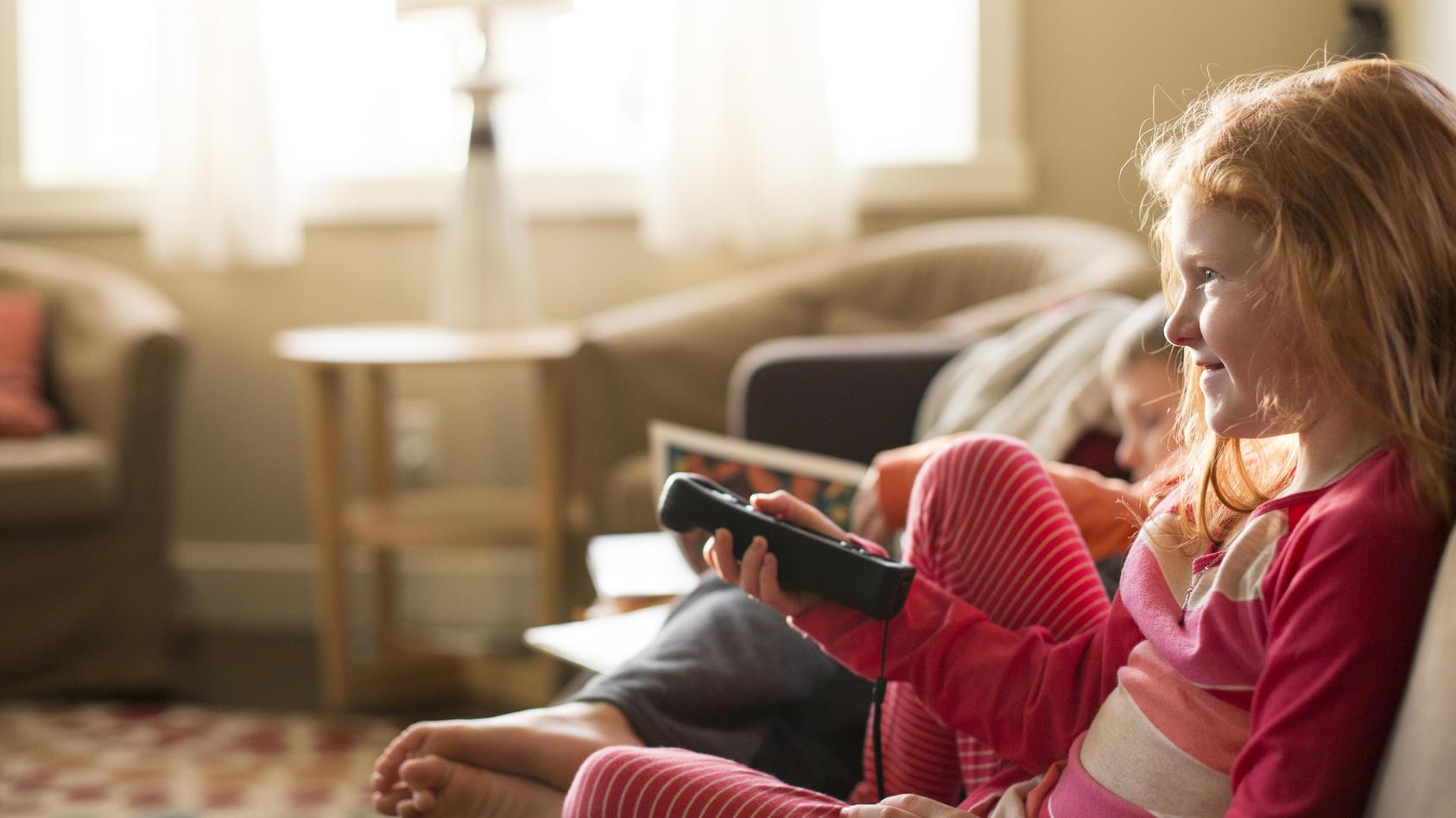Kinder können sich bei zahlreichen Sendern Wissensmagazine und Kindernachrichten ansehen.