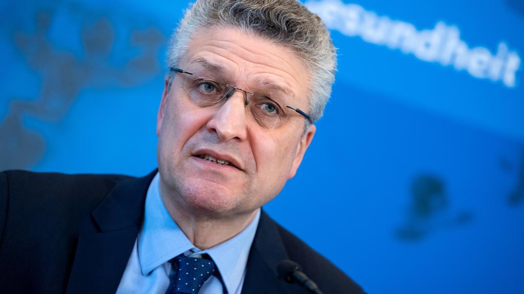 The head of the Robert Koch Institute Lothar Wieler addresses a news conference on the coronavirus disease (COVID-19) in Berlin, Germany, March 23, 2020. Bernd von Jutrczenka/Pool via REUTERS
