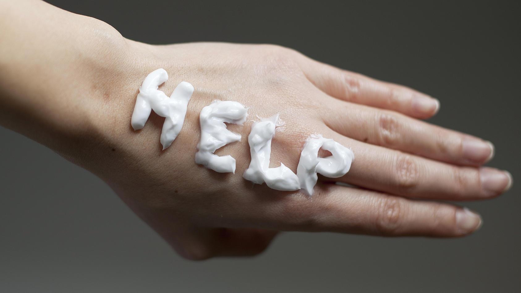Trockene Hände brauchen Hilfe