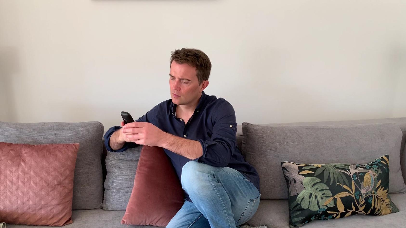 Christopher Wittich wartet in freiwilliger Quarantäne seit Tagen auf sein Corona-Test-Ergebnis.