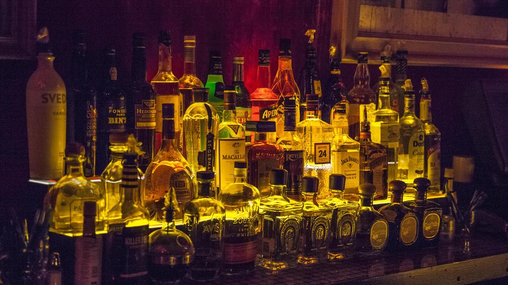 Alkohol gegen Viren kann helfen