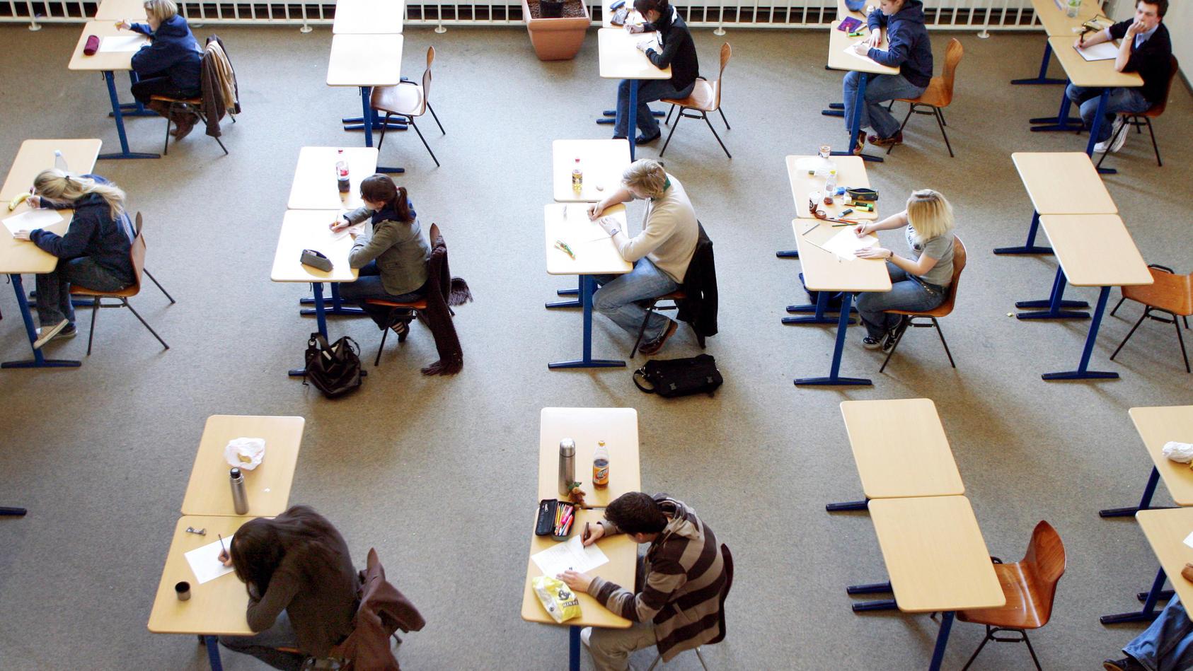 Abiturprüfungen finden statt.