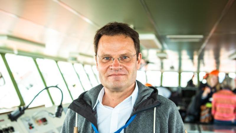 """Markus Rex, Leiter der einjährigen """"Mosaic""""-Expedition auf dem Forschungsschiff """"Polarstern"""". Foto: Mohssen Assanimoghaddam/dpa/Archivbild"""
