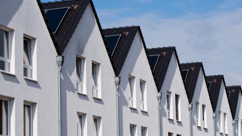 Die Corona-Krise könnte auch Auswirkungen auf den Immobilienmarkt haben. Foto: Julian Stratenschulte/dpa/Symbolbild