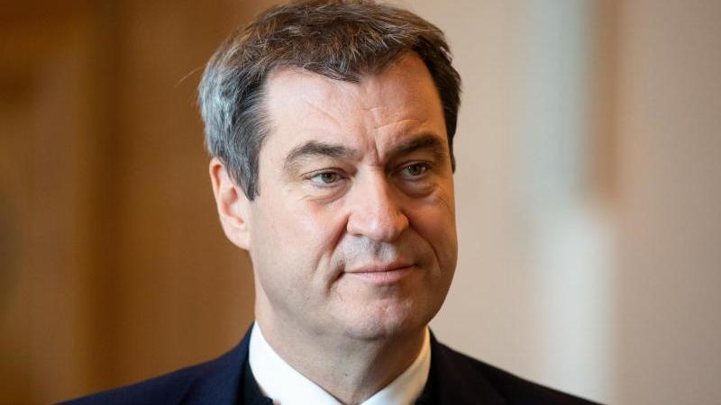 Markus Söder (CSU), Ministerpräsident von Bayern, kommt im bayerischen Landtag zu einer Plenarsitzung. Foto: Sven Hoppe/dpa/Archivbild