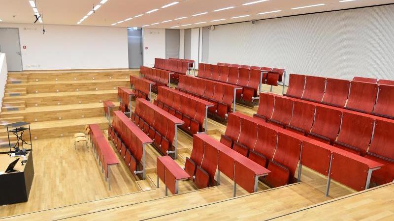 Ein Hörsaal der Fachhochschule (FH). Foto: Bernd Settnik/dpa-Zentralbild/dpa