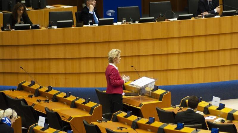 EU-Kommissionspräsidentin Ursula von der Leyen (CDU) bei einer Plenarsitzung des Europäischen Parlaments. Foto: Nicolas Landemard/Le Pictorium Agency via ZUMA/dpa