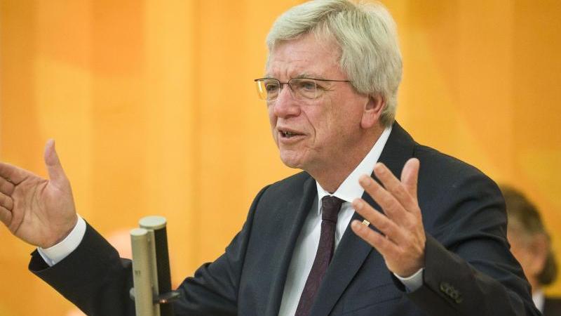 Der hessische Ministerpräsident Volker Bouffier. Foto: Frank Rumpenhorst/dpa/Archivbild