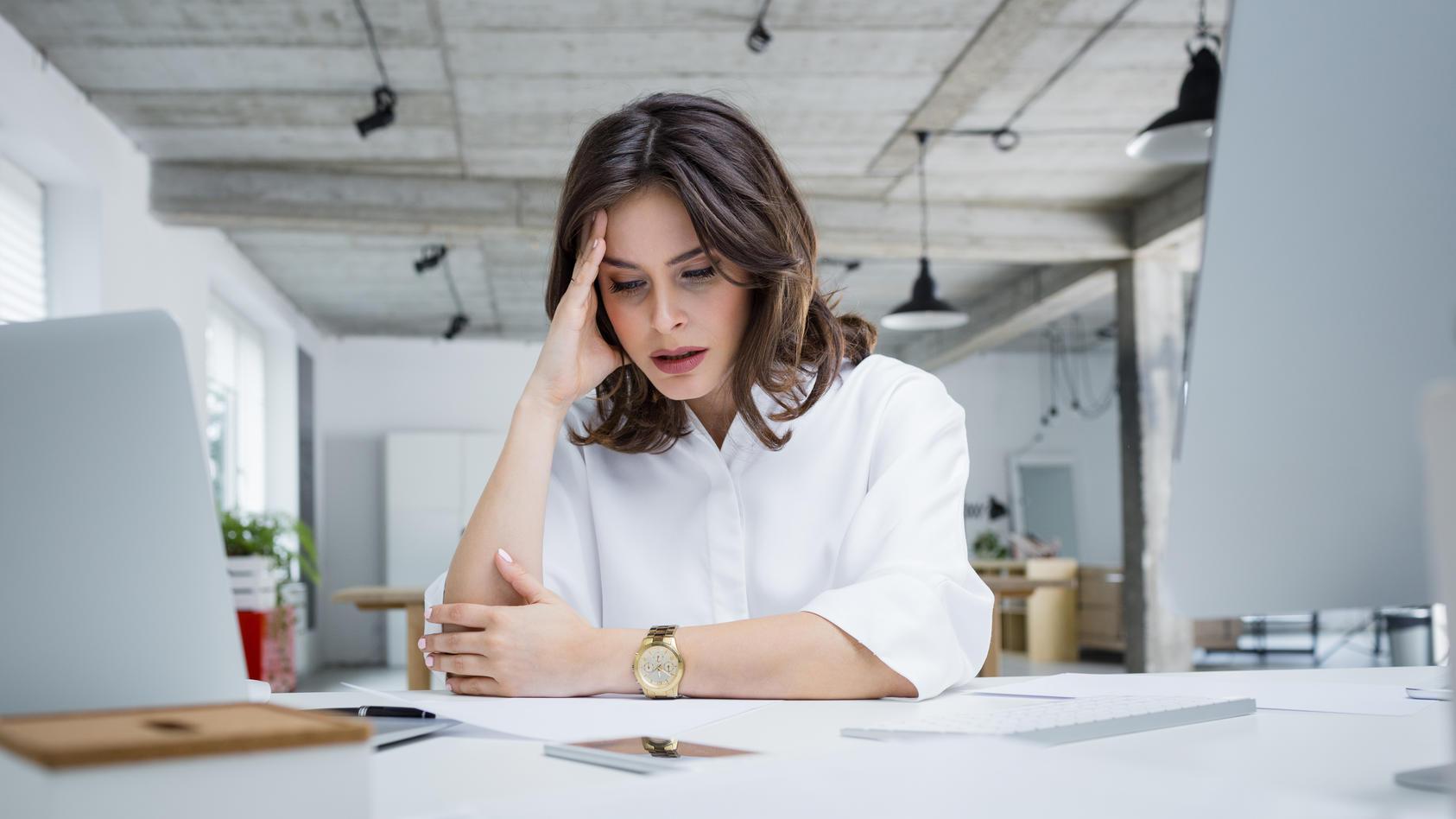 Einen allgemeinen Anspruch auf Homeoffice gibt es nicht. Wenn der Arbeitgeber keine entsprechende Vereinbarung getroffen hat, müssen Angestellte weiterhin ins Büro kommen. (Symbolbild)