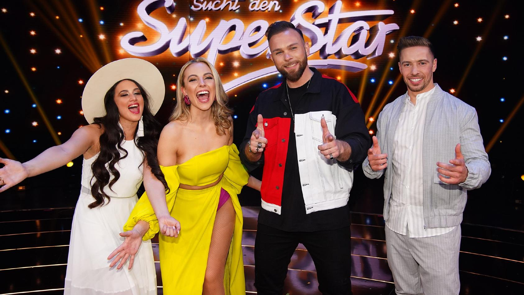 Chiara D'Amico, Paulina Wagner, Joshua Tappe und Ramon Roselly (Kaselowsky) singen im DSDS-Finale um den Superstar-Titel.
