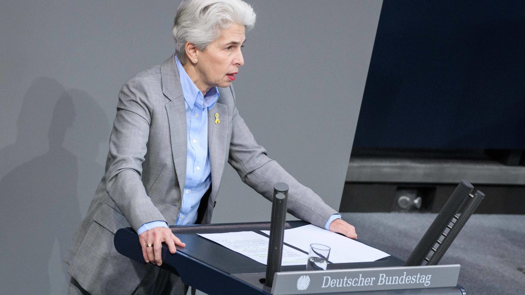 Berlin, Plenarsitzung im Bundestag Deutschland, Berlin - 04.03.2020: Im Bild ist Marie-Agnes Strack-Zimmermann (fdp) wä