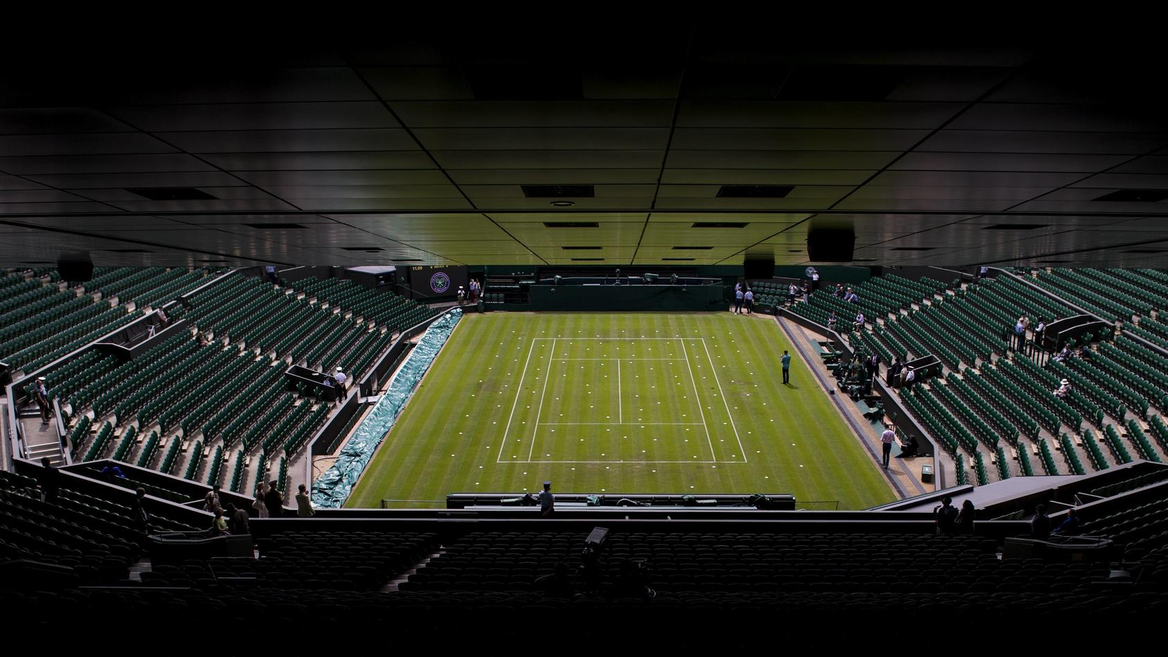 160628 Interiör över Centre Court under tennisturneringen Wimbledon den 28 juni 2016 i London. PUBLICATIONxINxGERxSUIxO