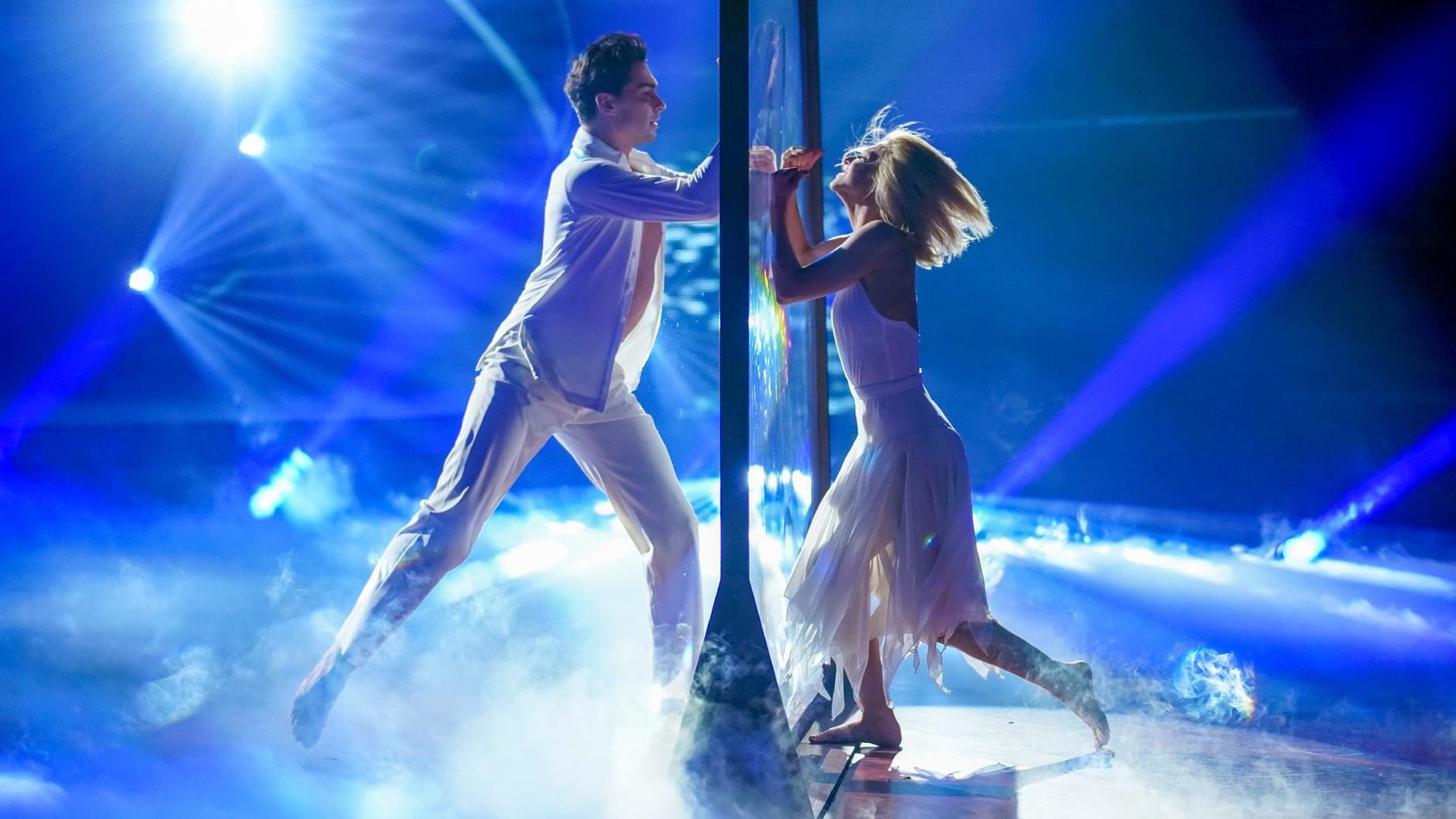 """Die 6. Show von """"Let's Dance"""" steht unter dem Motto """"Love Week""""."""