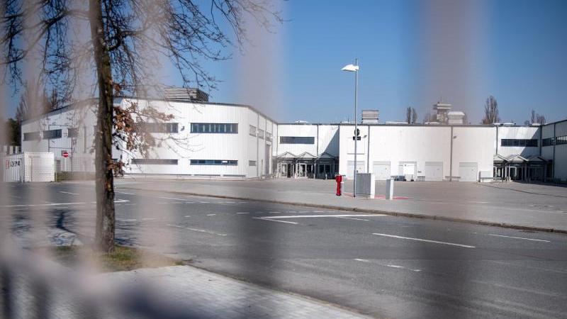 Das Gelände des geplanten Corona-Behandlungszentrums in der Jafféstraße. Foto: Bernd von Jutrczenka/dpa