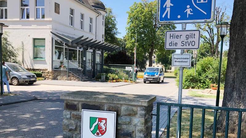 Der Eingang zur Justizvollzugsanstalt Euskirchen. Foto: Sebastian Klemm/dpa/Archivbild