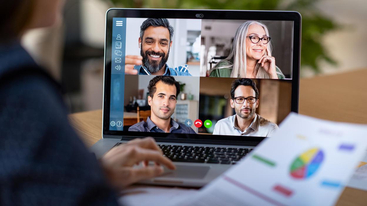 Wer mit den Kollegen per Video-Chat Kontakt hält, braucht ein paar Tools