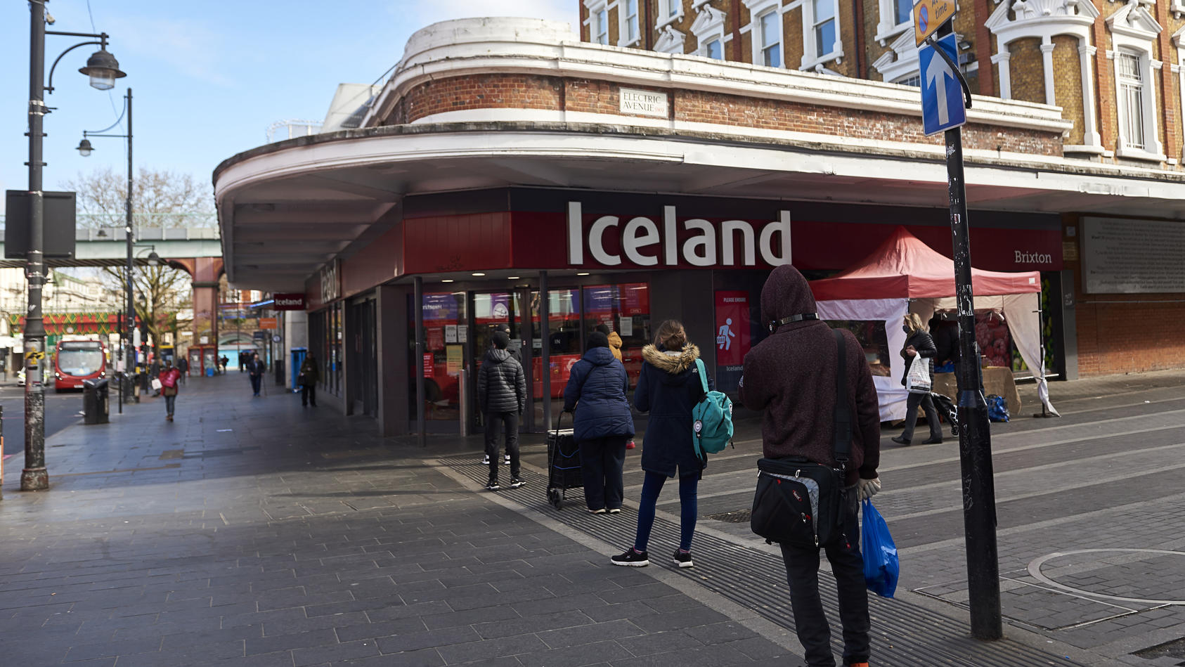 EXCLUSIVE: Essential Business Remain Open During The COVID19 Pandemic, Some Shops Adopt To The 2meter And Two In Two Out Policy